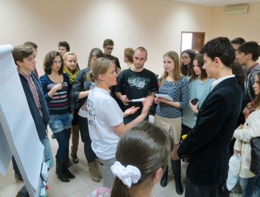 On the Front Lines with Technology Kyiv-Mohyla School of Computer Science